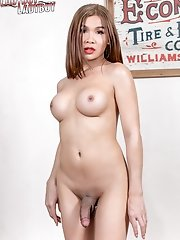 Ladyboy Emmy looks good in anything and everything specially when she goes fully naked right in front of you! Enjoy!